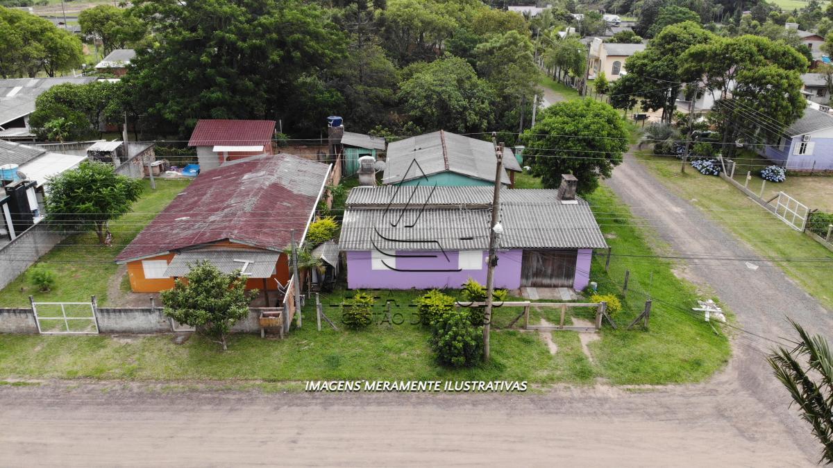 Terreno, com Edificação (Casa), no São Braz em Torres/RS