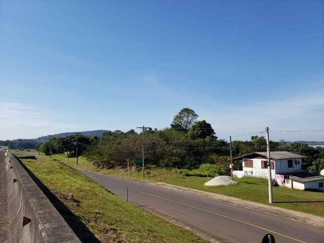 ÁREA DE TERRA, APROXIMADAMENTE 4.754,52M², ÀS MARGENS DA BR 101, KM 12, NO ACESSO À DOM PEDRO DE ALCÂNTARA/RS