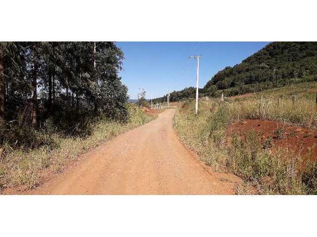 Área Rural, de 30.000,00 m², no lugar denominado Chapadão, em Canela/RS