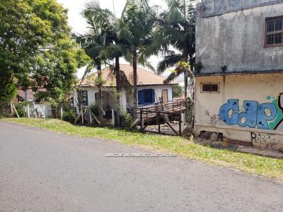 LOTE 001 - Terreno Urbano, na Rua Padre Lamônaco, em frente a Igreja São Domingos, no Centro em Torres/RS