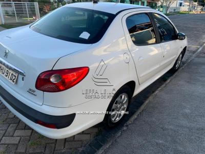 LOTE 001 - Veículo Peugeot/207 passion XR S, Branco, 5P/82CV, Gasolina